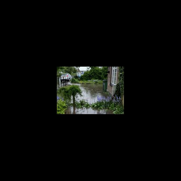 Flooding at London Road, Hemel Hempstead (Hemel Today)